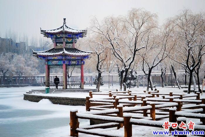 雪中楞严寺展现不一样的美