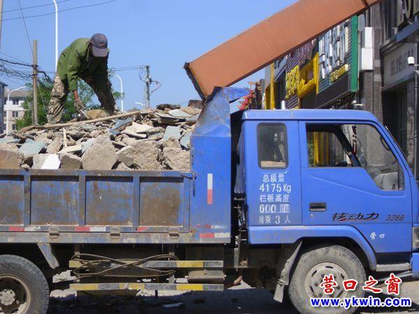 垃圾上车之窗坐二楼装修-视频营口-营口滑梯赛增图片图片
