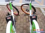 营口市:两辆共享单车成了残疾单车