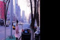 营口市:堵人行道和盲道  这车真牛!