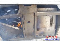 一把火,让街边的垃圾箱变成了火炉子
