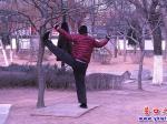 营口楞严寺公园:如此锻炼不文明