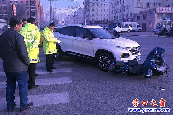 路口没有信号灯 交通事故屡发生