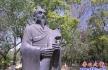 楞严寺公园:蔡伦塑像似乎有点问题