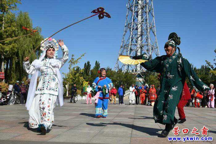 """营口再现""""天津秧歌"""",非遗文化进社区"""