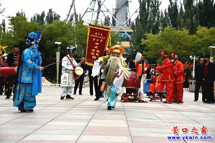 """""""老年节""""天津秧歌再现营口"""